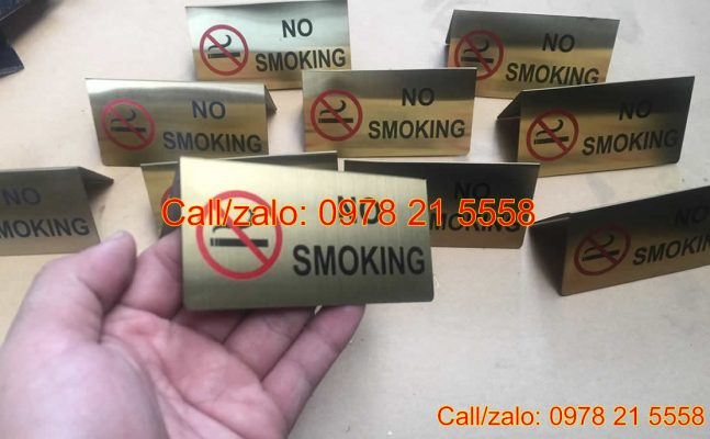 Biển no smoking để bàn