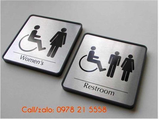 Biển báo nhà vệ sinh